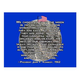 La cita de JFK que envió a seres humanos a la luna Postal