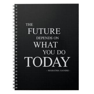 La cita de motivación inspirada futura libro de apuntes