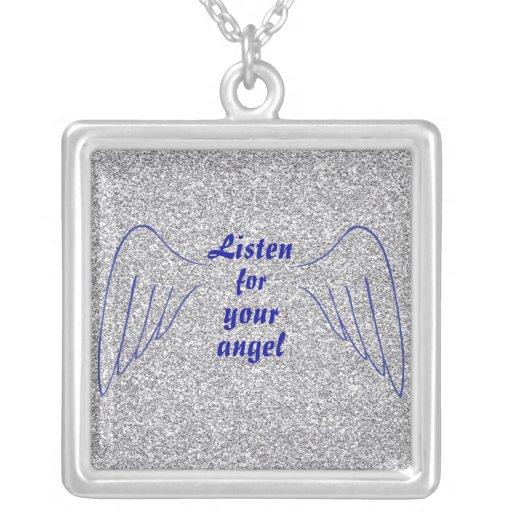 La cita del ángel está atento su ángel colgante cuadrado