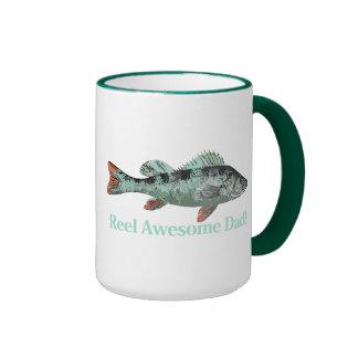 La cita impresionante y los pescados del papá del taza de dos colores