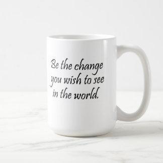 La cita inspirada de la taza de café asalta los
