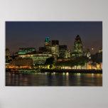 La ciudad de Londres en la noche Poster