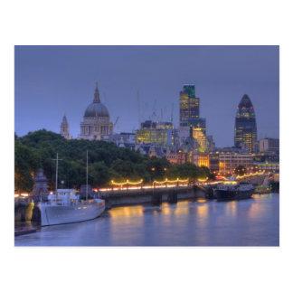 La ciudad de Londres en la oscuridad Postal