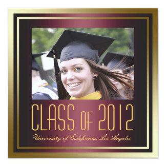 """La clase de 2012, el rojo y la graduación del oro invitación 5.25"""" x 5.25"""""""