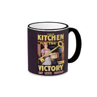 La cocina del vintage WW1 es la llave a la Taza De Dos Colores