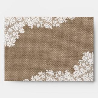 La colección blanca rústica del cordón de la sobres