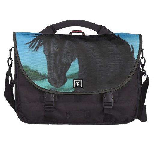 """"""""""" La colección negra del caballo Bolsas Para Portátil"""