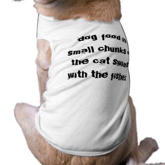 la comida de perro en los pequeños pedazos o el ga playera sin mangas para perro