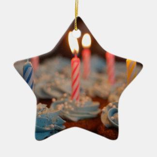 la comida del postre de los dulces del fiesta de adorno de cerámica en forma de estrella