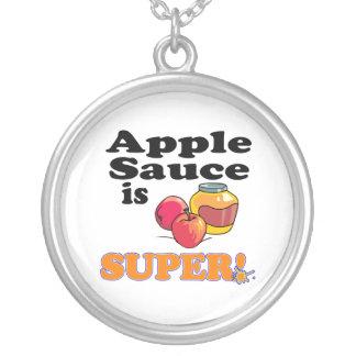 la compota de manzanas es estupenda colgante redondo