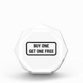 La compra una consigue uno libre