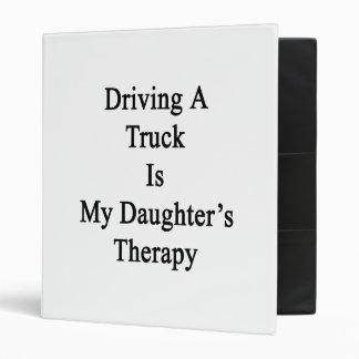 La conducción de un camión es la terapia de mi hij