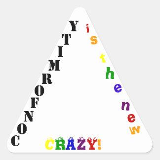 La conformidad es… pegatina triangular