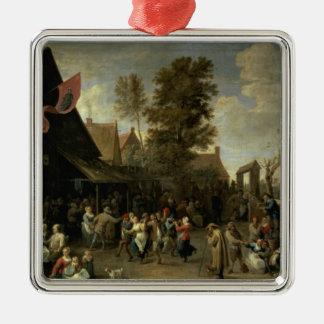 La consagración de una iglesia del pueblo, c.1650 adorno cuadrado plateado