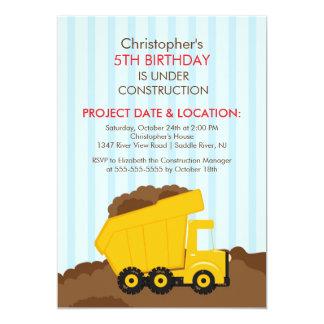La construcción acarrea a la fiesta de cumpleaños invitación 12,7 x 17,8 cm