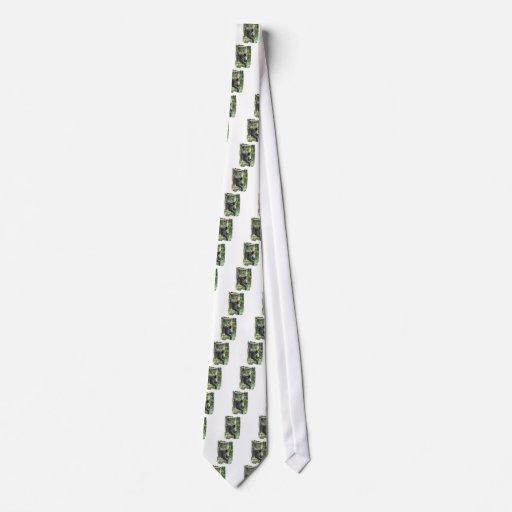 La corbata de Cheeked del capuchón de los hombres