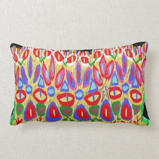 La corona colorida añade el regalo divertido de almohada