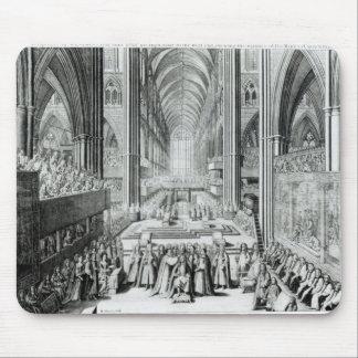 La coronación de rey James II c.1685 Mousepads
