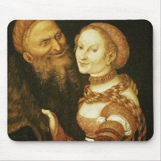 La cortesana y el viejo hombre, c.1530 alfombrillas de ratón
