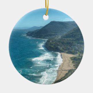 La costa costa hermosa de Queensland, Australia Adorno Navideño Redondo De Cerámica