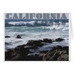 La Costa del Pacífico rocosa de California Tarjetón