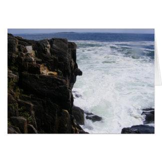 La costa rocosa tarjeta pequeña