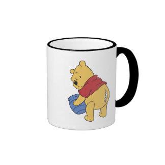 La costura bah rasgada de Winnie the Pooh Taza De Dos Colores