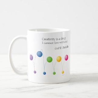La creatividad es una droga que no puedo vivir taza básica blanca