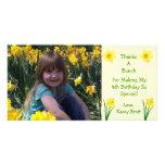 La crema de las flores de los narcisos le agradece tarjeta con foto personalizada