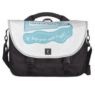 La crema dental mantiene su sonrisa brillante bolsa para ordenador