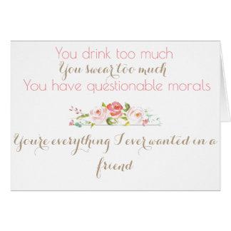 La criada del honor le agradece cardar tarjeta de felicitación
