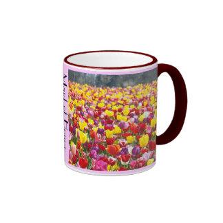 La criada del tulipán de los regalos de la taza de