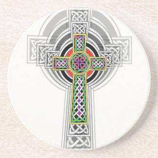 La cruz céltica posavasos para bebidas