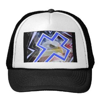La cruz y los símbolos americanos gorras