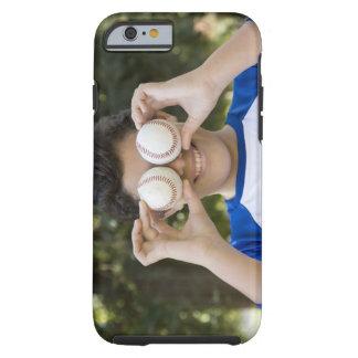 La cubierta hispánica del adolescente observa con funda resistente iPhone 6