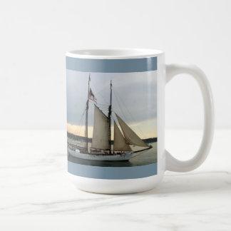 La curación para cualquier cosa es rasgones del su taza de café