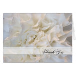 La dama de honor floral blanca del boda le agradec felicitaciones
