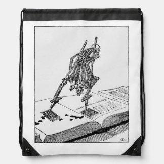 La Dance de la mort drawstring backpack