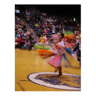 La danza de la pluma del PowWow de la vuelta de la Tarjetas Postales