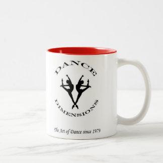 La danza dimensiona la taza de café