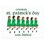 La danza irlandesa del paso celebra el día de St P Tarjeta Postal