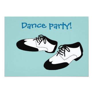 La danza para hombre del oscilación calza invitaciones personalizada