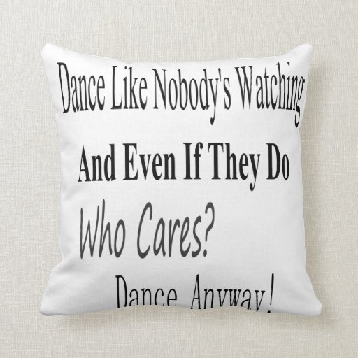La danza tiene gusto de nadie que mira almohadas