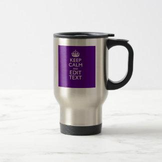 La decoración púrpura guarda calma y su texto taza térmica