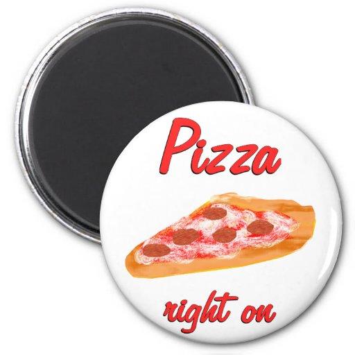 La derecha de la pizza encendido imán de nevera