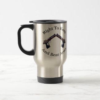 La derecha patriótica de guardar y de llevar los b taza de café