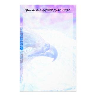 la derecha púrpura azul del revestimiento del águi papelería de diseño
