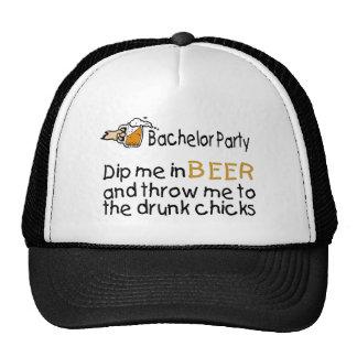 La despedida de soltero me sumerge en cerveza gorro