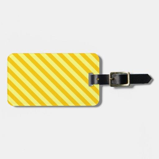La diagonal raya 2 - amarillo y amarillo de la man etiqueta de maleta