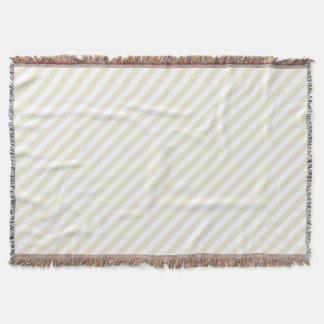 La diagonal raya la cáscara de huevo manta